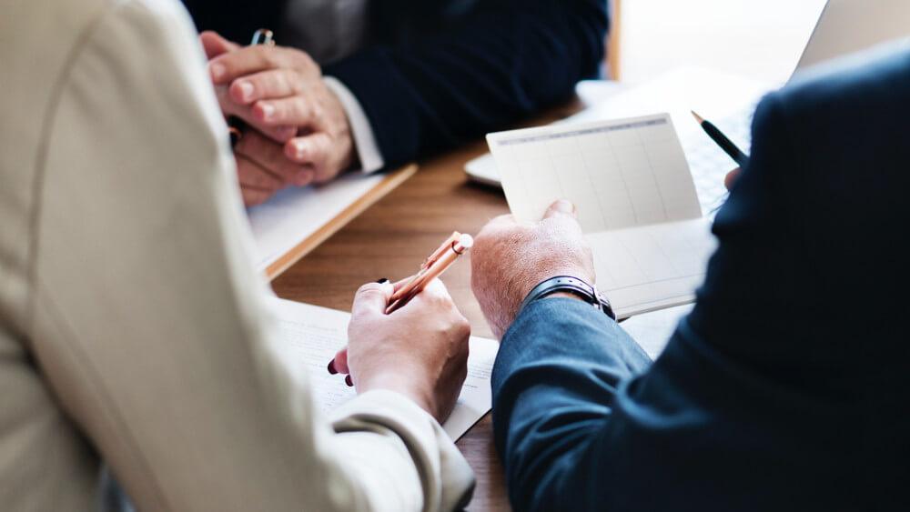 Czy obsługa prawna może ustrzec firmę od katastrofy?