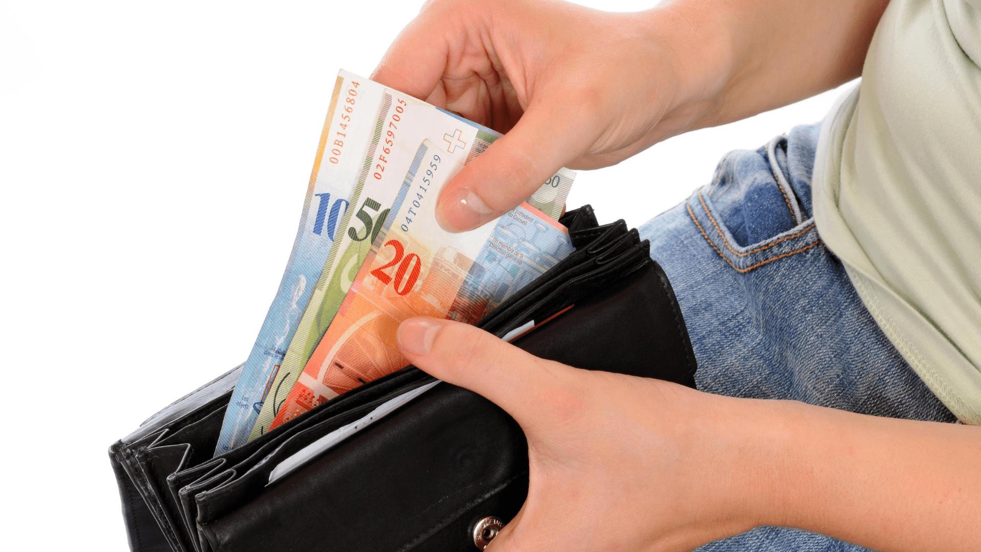 """Bank żąda od """"Frankowicza"""" wynagrodzenia za korzystanie z kapitału – Czy należy obawiać się takiego roszczenia ?"""